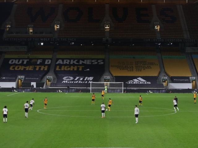 Premier League, aumenta l'allerta Covid: ''Slitta il ritorno dei tifosi negli stadi''