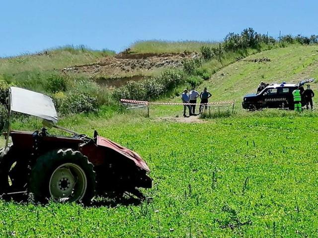 Sud Sardegna, schiacciato dal trattore che guidava: muore a 16 anni
