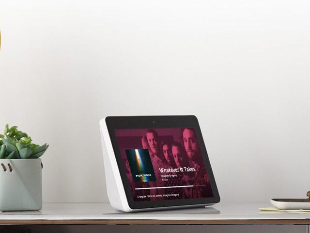 Arriva Show, il dispositivo Amazon di punta della linea Echo