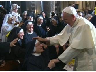 Il Papa per la Giornata Vocazioni: ascoltare la chiamata del Signore