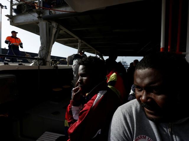 """La proposta dell'Italia: """"Zone franche per gli sbarchi dei migranti"""""""