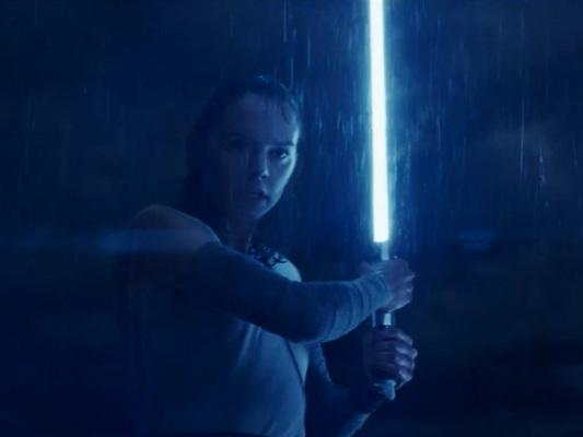 Star Wars: Gli ultimi Jedi – Rey non vuole deludere Luke nel nuovo spot