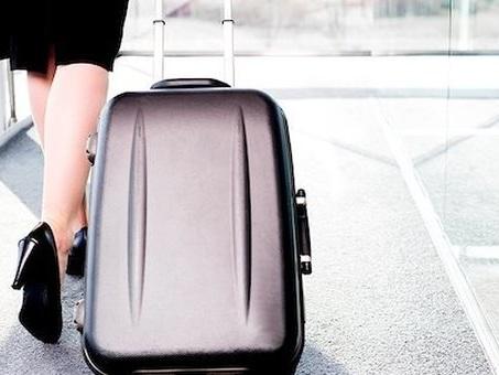 Noi, viaggiatori compulsivi con destinazione ?ovunque?