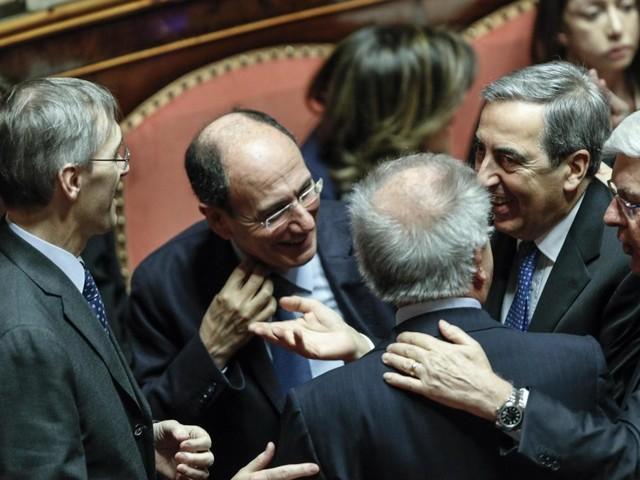 Silvio rockstar del Parlamento