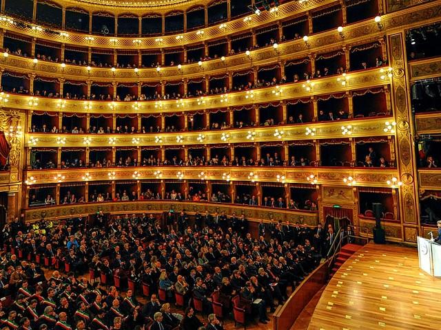 """Palermo, dopo i """"dubbi"""" il ministro Bonisoli conferma il fratello del vicesindaco come soprintendente del Teatro Massimo"""