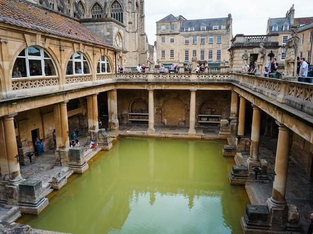 Bath in un giorno: 4 cose da vedere nell'antica città inglese