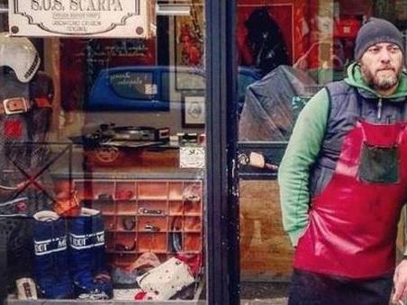 Roma, la nuova vita di Matteo: «Mi licenzio e apro la mia bottega di calzolaio»