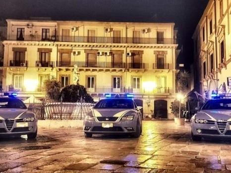 Palermo, assembramenti e alcolici nelle zone della movida tra la Kalsa e la Magione: chiusi 3 pub