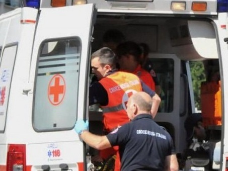 Brescia, operaio di 36 anni muore schiacciato da una tonnellata di sacchi di zucchero