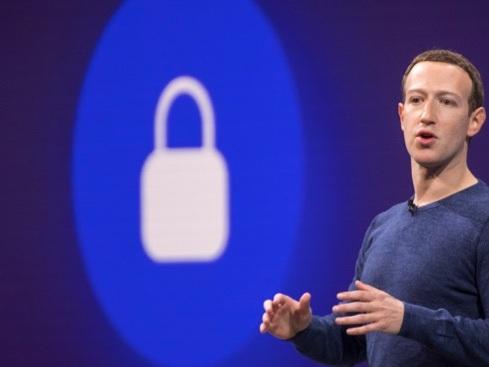 Facebook non ha bloccato il targeting a contenuti filo-nazisti