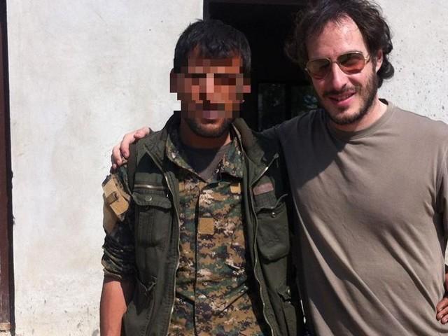 """La storia di Davide: """"Ho combattuto contro l'Isis in Siria. Ora l'Italia mi può condannare"""""""