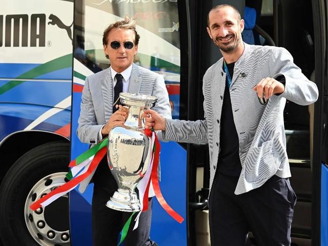 L'Italia e Berrettini ricevuti dal presidente Mattarella al Quirinale: le battute a Donnarumma e Spinazzola, il ricordo di Astori e l'elogio del tennis azzurro