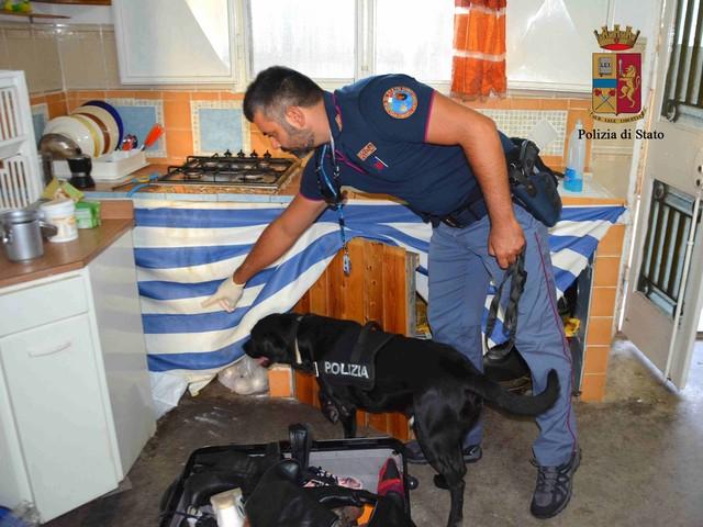 Sgominata banda rumena dedita ai furti: depredavano le abitazioni nel ragusano (FOTO E VIDEO)