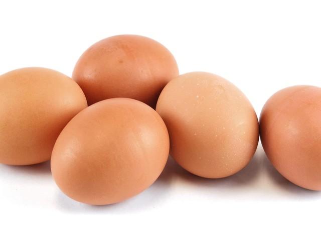 Trovano un uovo verde: la scoperta è incredibile [FOTO]