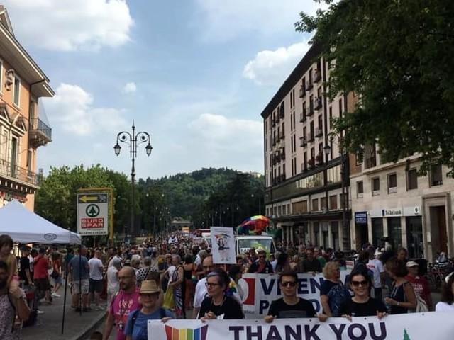 Vicenza Pride: il lungo corteo arcobaleno per le vie della città