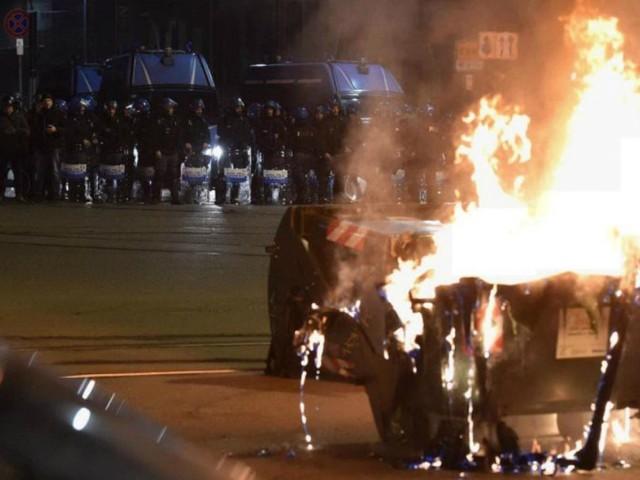 Torino, scontri degli anarchici dopo sgombero dell'Asilo: arresti e perquisizioni in tutta Italia