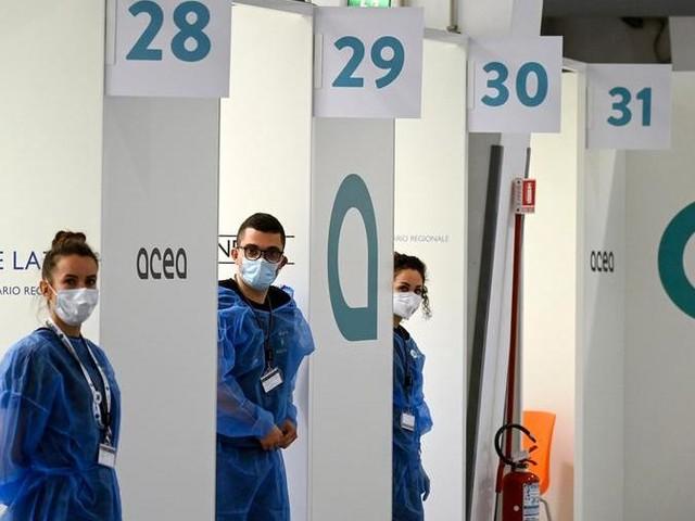 Aifa: sì al mix di vaccini. Ma è caos tra le Regioni