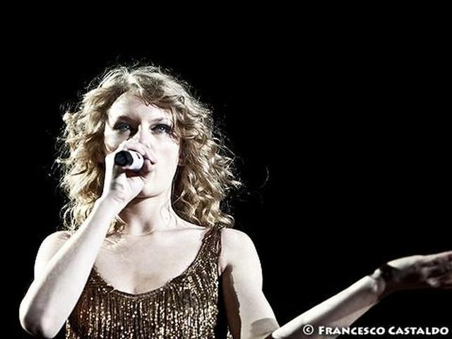 "Taylor Swift: ascolta il nuovo singolo ""Gorgeous"""