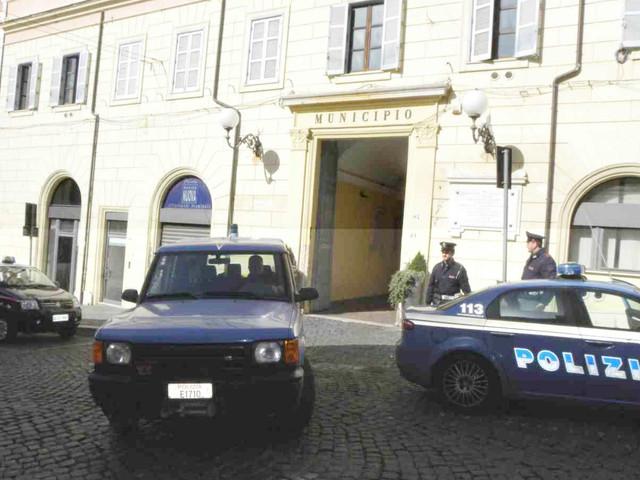 Genzano, esplosione a piazza Buttaroni: a lavoro per tutelare famiglie