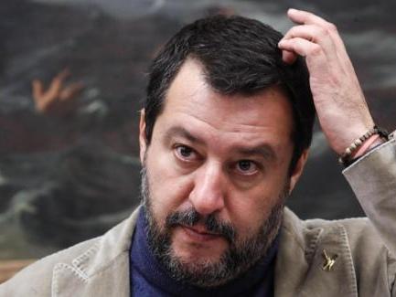 Salvini dice che inizia a stufarsi di essere indagato