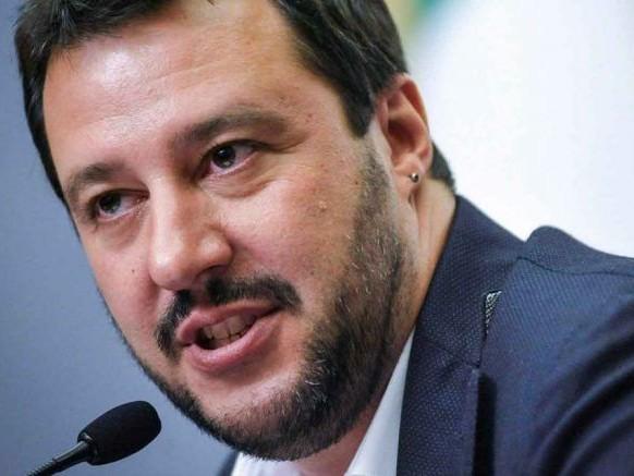 """Salvini: """"Dieci milioni per le vittime dell'hotel Rigopiano"""""""