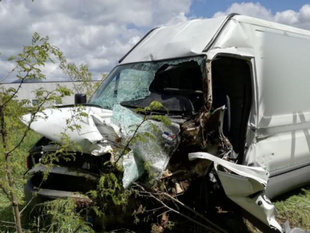 Prende il furgone del padre dopo una discussione, 17enne vola dalla rampa dell'autostrada. È grave