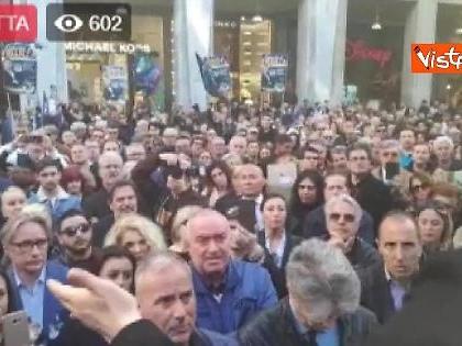 """Giorgia Meloni, la lezione alla sinistra sui clandestini: """"Ve lo spiego io che significa 'solidarietà'"""""""
