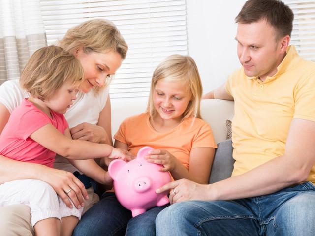 Manovra: subito il Fondo unico per la famiglia, poi assegno per i figli
