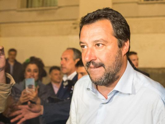 La strategia di Salvini tra cinghiali e Draghi