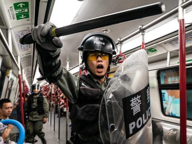 """Hong Kong, Lam cede: """"Tolta l'estradizione"""". La protesta non si ferma"""