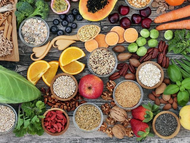 Pancia gonfia, gli alimenti che causano gas e gonfiori