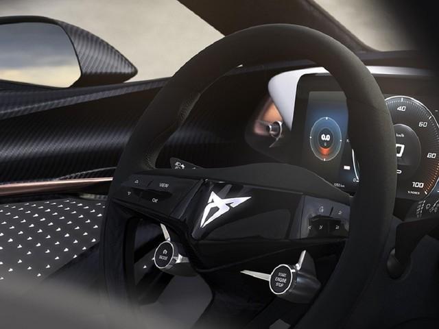 CUPRA mostra l'interno della sua nuova auto elettrica