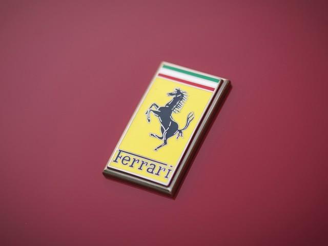 Ferrari: i ricavi nel secondo trimestre calano ma il bilancio rimane in utile