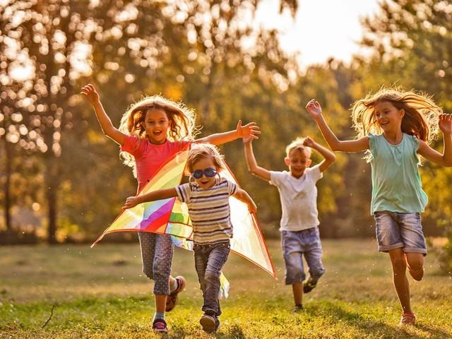 Via libera alla passeggiata con i figli e alle polemiche. Facciamo ordine