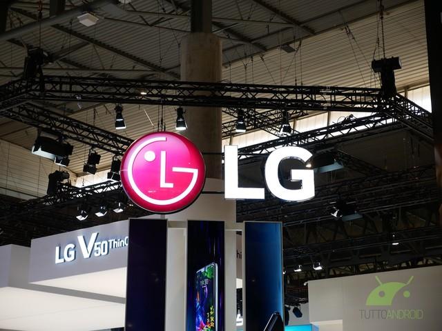 Il brevetto di uno smartphone LG senza notch dà parecchi spunti di riflessione