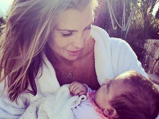 Claudia Galanti su Instagram lo straziante ricordo della figlia morta