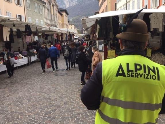 Salvo il mercato del giovedì a Trento, ma sabato restano chiusi tutti i negozi più grandi di 150 metri quadri