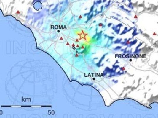 Gli effetti del terremoto della scorsa notte a Roma