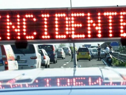 Melfi: incidente, tre morti Strada Bradanica, scontro fra un'auto e un furgone. Due corpi carbonizzati