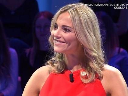 Da noi... a ruota libera, Francesca Fialdini batte Barbara D'Urso? Clamorosa esultanza della conduttrice