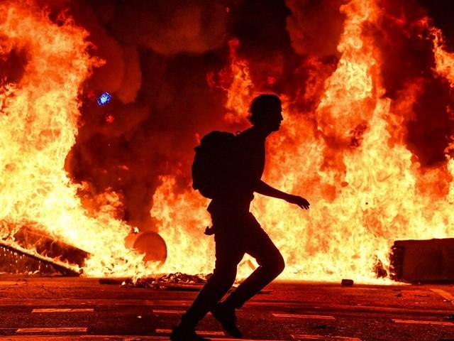 Notte di inferno a Barcellona: ecco cosa c'è dietro le violenze