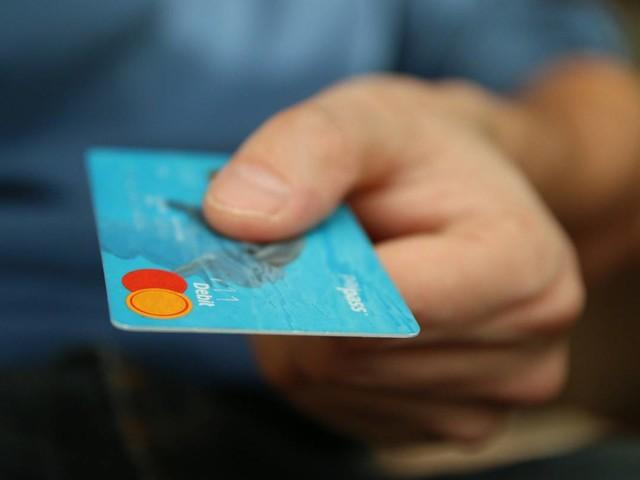 Uso di cashback nei negozi fisici, premi e rimborsi fino a 3.000 euro