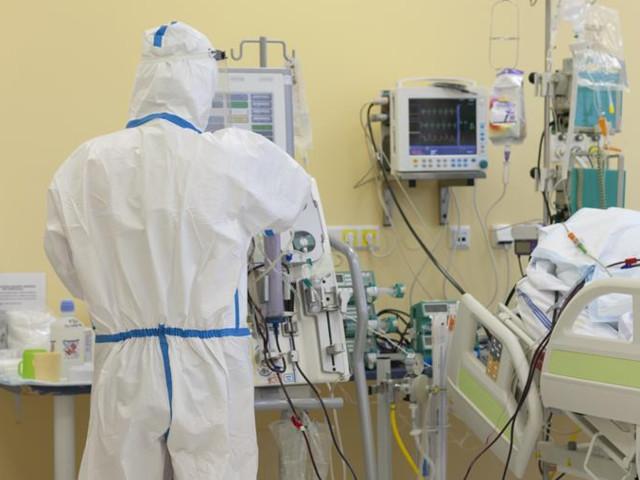 Pandemia, altri 4 morti e 253 contagi in 24 ore. Sempre oltre 400 i malati in ospedale