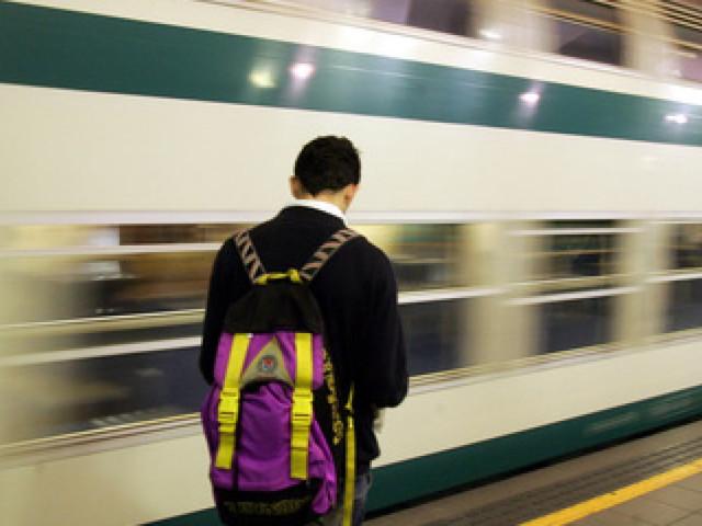 Sciopero nei trasporti: stop a treni, aerei e mezzi pubblici nelle città, si attende un venerdì nero