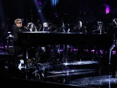 Elton John ad Andrea Bocelli Show incanta il Colosseo tra Circle of Life e Your Song (video)