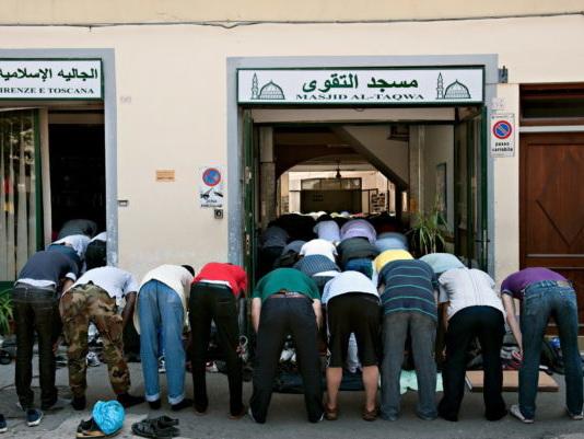 Firenze Islam: Forza Italia, no al ramadan in Piazza dei Ciompi