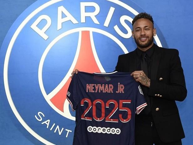 Neymar-Psg, rinnovo di tre anni: contratto fino al 2025