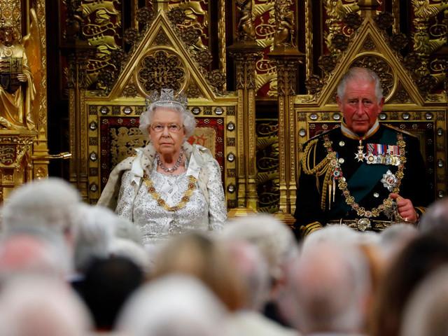 """Brexit, la Regina illustra il piano di Johnson: """"Uscita dall'UE il 31 ottobre"""""""