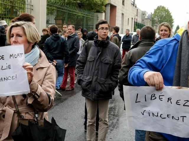 Francia, svolta nel caso di Vincent Lambert: Corte d'appello ordina la ripresa delle cure