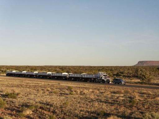 Land Rover Discovery e i treni: la storia continua | video